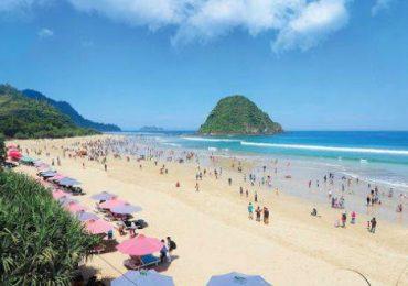 Rekreasi Pantai Pulau Merah Di Banyuwangi Keindahannya Bikin Takjub